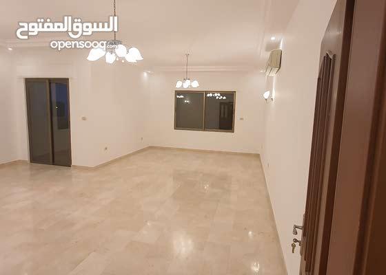 شقة طابقية طابق ثالث 275 م الايجار