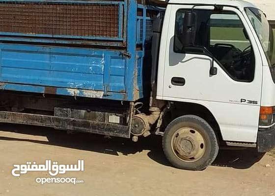 السوق المفتوح سيارات للبيع في تونس Isuzu