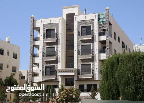 شقة للبيع في حي النخيل طريق المطار مساحة 200 متر بسعر مميز