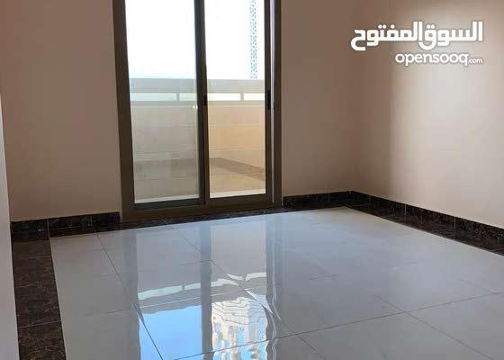 غرفتين وصاله للايجار الشهري في عجمان الجرف اول ساكن