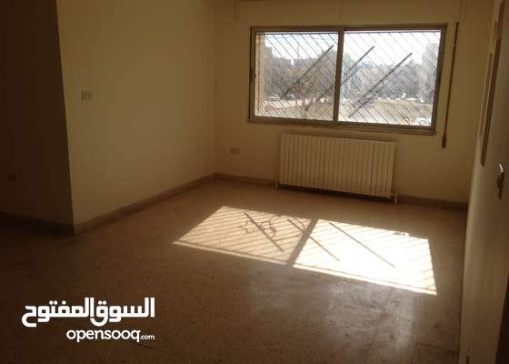 شقة استثمارية دخل سنوي 3600 خلف مخابز قبلان البيادر