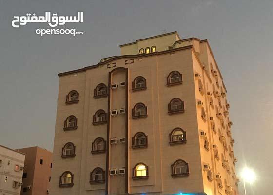 شقق مفروشه فاخره ايجار شهري قرب المطار ومول العرب حى النزهه