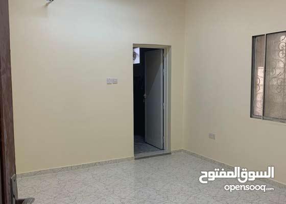 بيت للإيجار منطقة الشهباء - الشارقة