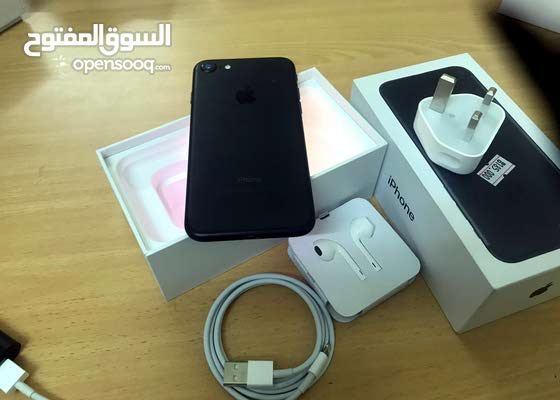 Iphone 7.128gb with box and original accessories