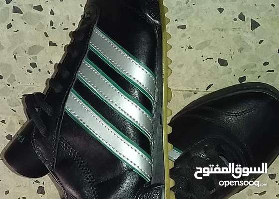 حذاء رياضي نوع طونقو توتيرا