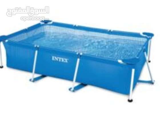 مسبح مستعمل مستطيل 2.2متر في 1.5متر ارتفاع 60 سم