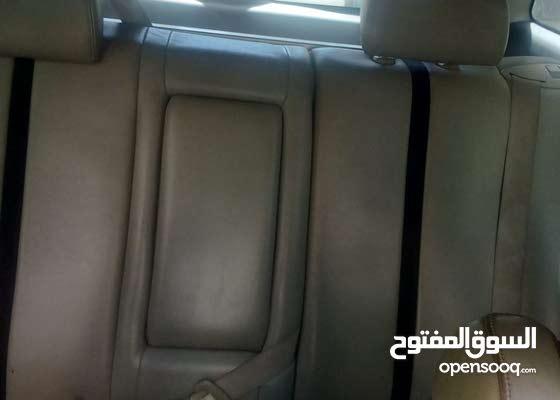 jeep mazda 2007 bya3mol 200 bi tanke 6 selandr ezez kahraba ktir ndif mabado chi