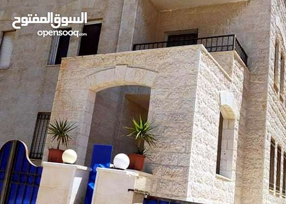 شقة في مدينة الشرق/ الزرقاء في ضاحية الأميرة سلمى قابل البدل على بيت مستقل