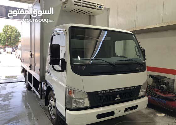 2017 Mitsubishi Canter 3.0 Fridge with Hydraulic Lift