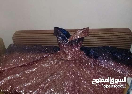 فستان سهره شبه جديد ملبوس لبسه وحده كله ساعتين فقط
