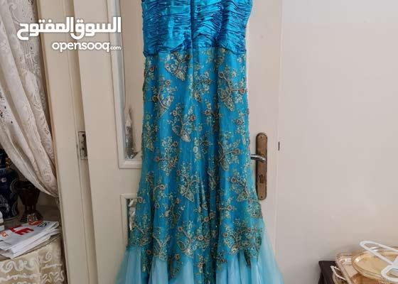 تخفيض كبير  : فستان مناسبات نظيف وأنيق  مناسب للخطوبة سعر مغري