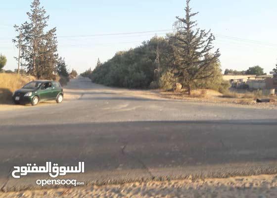 زوز هكتار في مدينة الزاوية تقاطع بن يوسف للبيع
