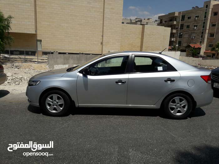 Kia Cerato 2011 For sale - Silver color