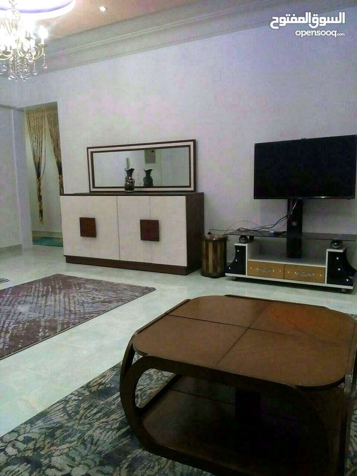apartment in 170 is available for rent