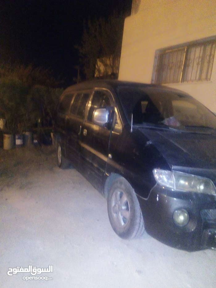 Black Hyundai H-1 Starex 2000 for sale