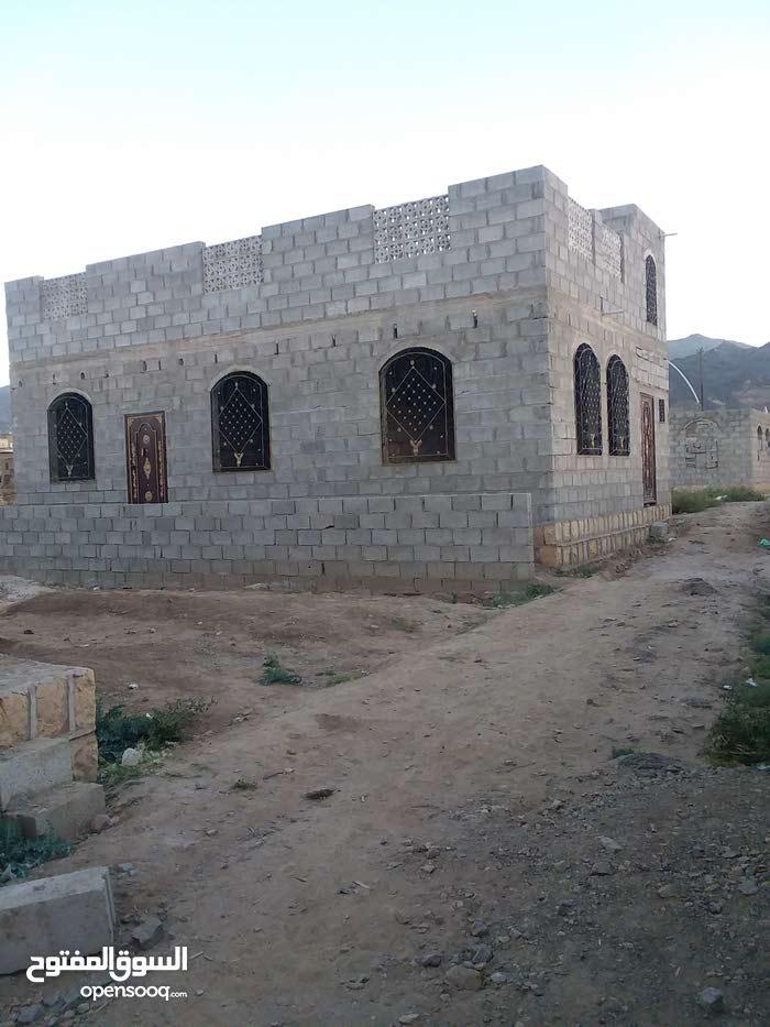 بيت مسلح بدون تشطيب لبنتين عرطه للبيع سعوان