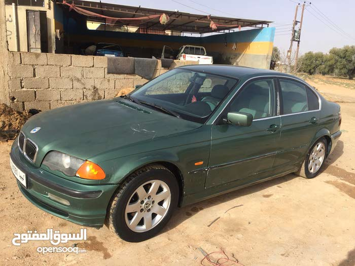 Green BMW 320 2000 for sale