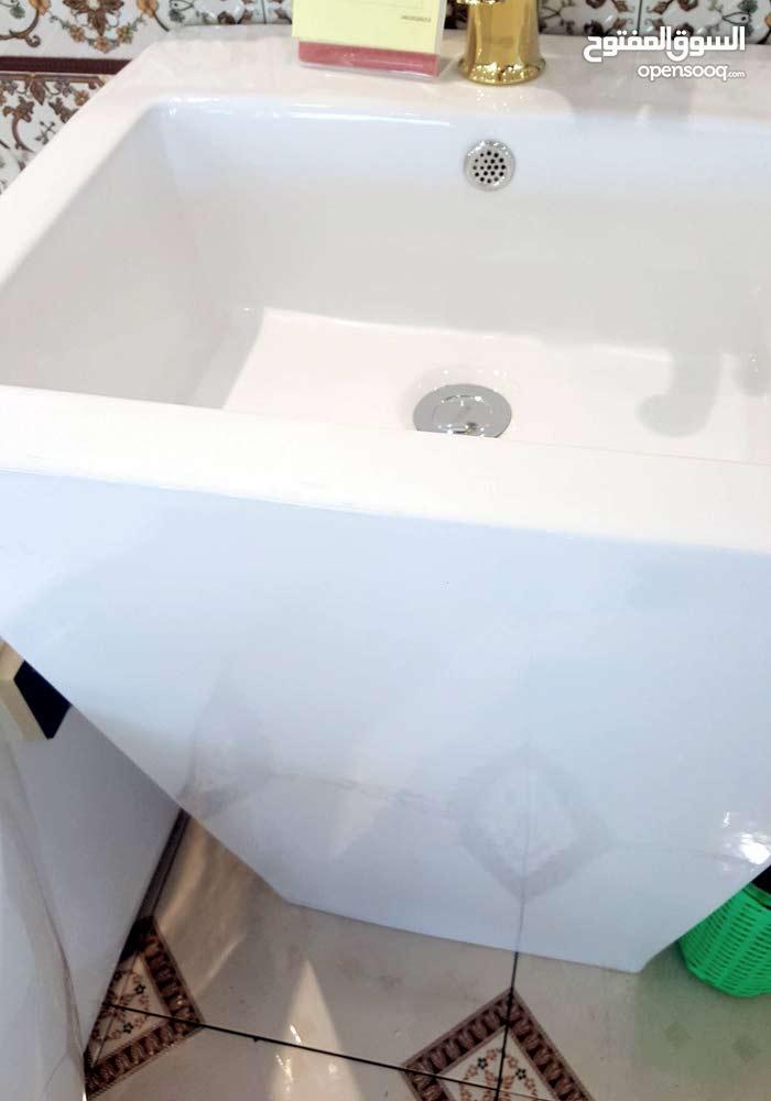 للبيع مغسله دوره مياه راقيه الكميه 2