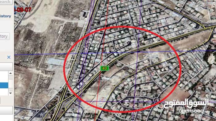 أرض مميزة جداُ للبيع مساحة 400م/ الحويطي 12