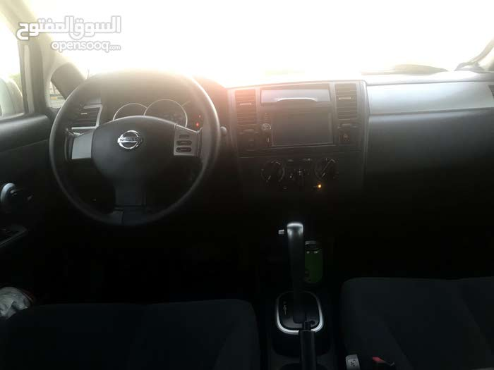 Automatic Nissan 2011 for sale - Used - Nakhl city