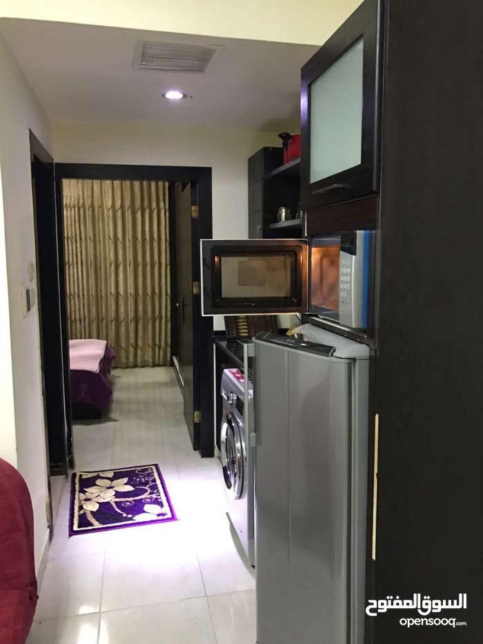غرفة وصالة ديلوكس للأيجار في عبدون