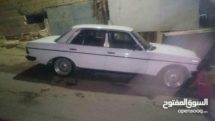 مرسيدس لف سي200 موديل 1979