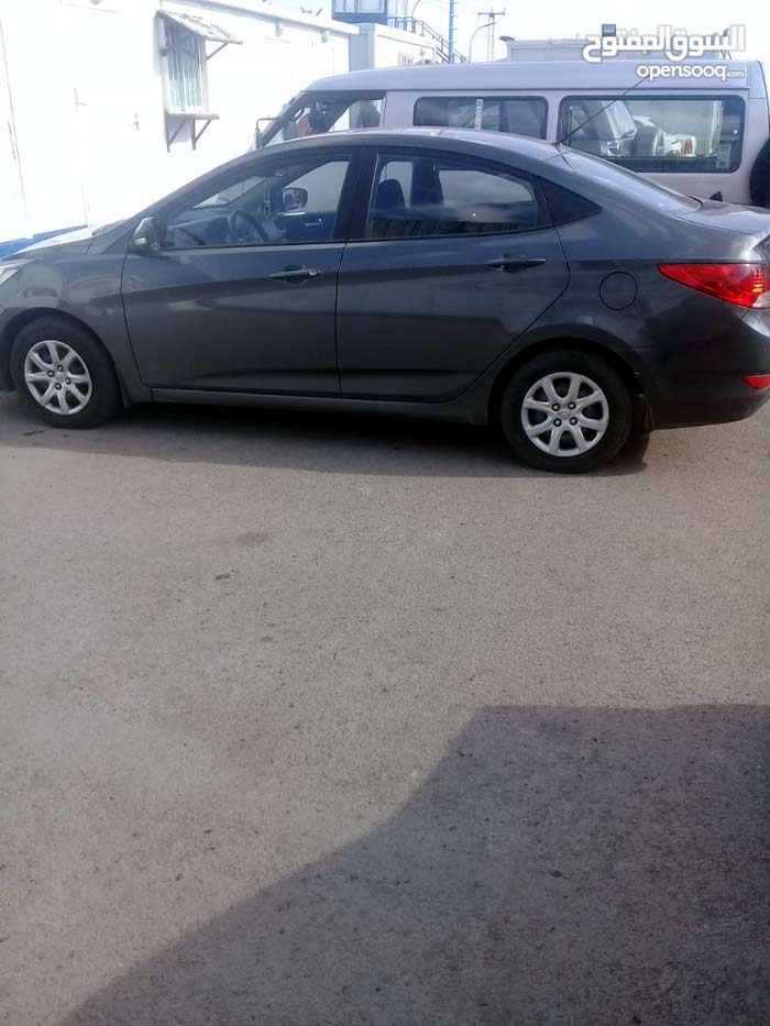 Available for sale! 10,000 - 19,999 km mileage Hyundai Accent 2013