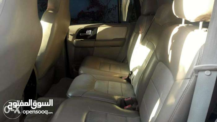 White Ford Expedition 2004 for sale