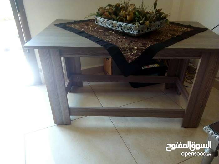 طاولة وسط