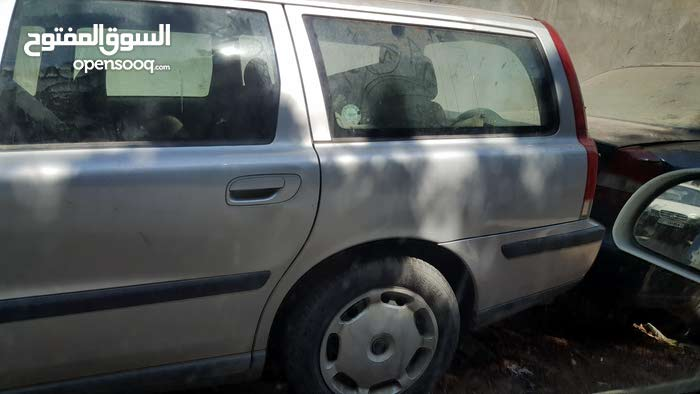 Volvo V70 2002 For sale - Grey color - (109774449) | Opensooq