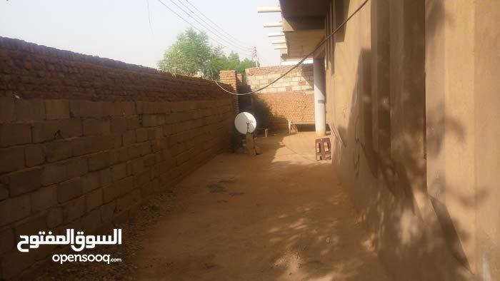 الحاج يوسف شارع واحد الشروق مبني جديد سايفون غرفتين برندتين هول سراميك