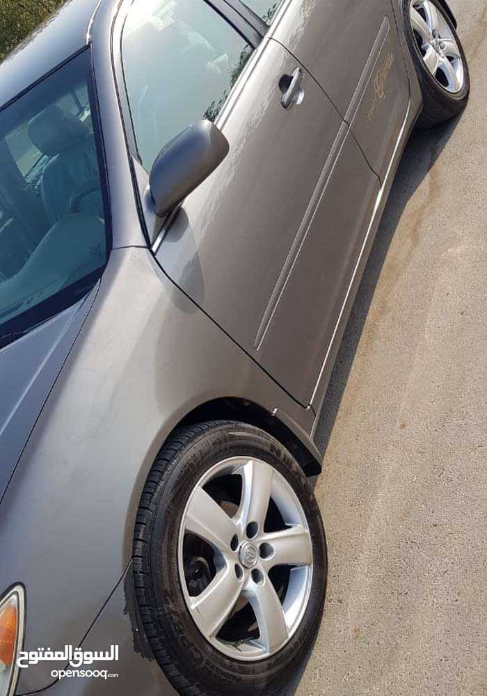 Toyota Camry 2005 For sale - Grey color