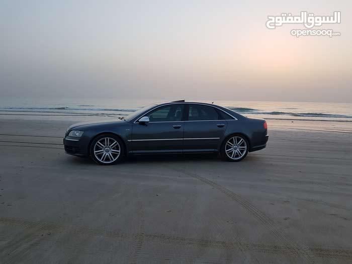 اودي اس 8 نظيف  Audi s8