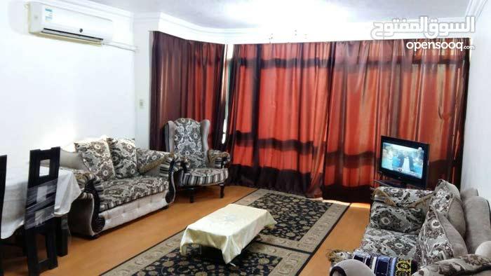 شقة للايجار مفروشة باول مكرم عبيد وبجوار سيتى استارز