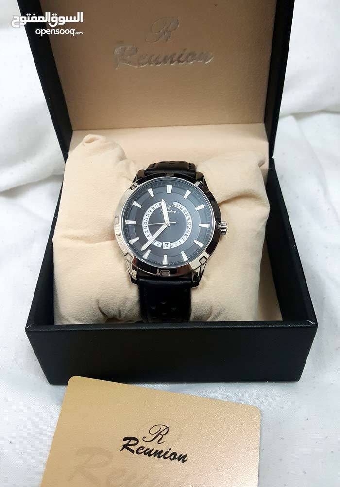 Reunion watch with black leather