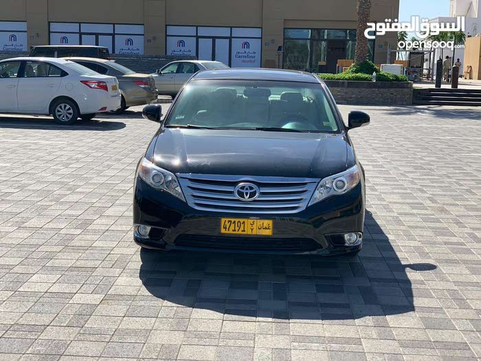 Toyota Avalon car for sale 2011 in Muscat city