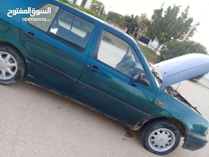 Green Volkswagen Golf 2000 for sale