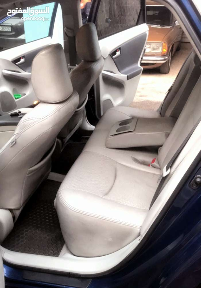 Used condition Toyota Prius 2011 with +200,000 km mileage