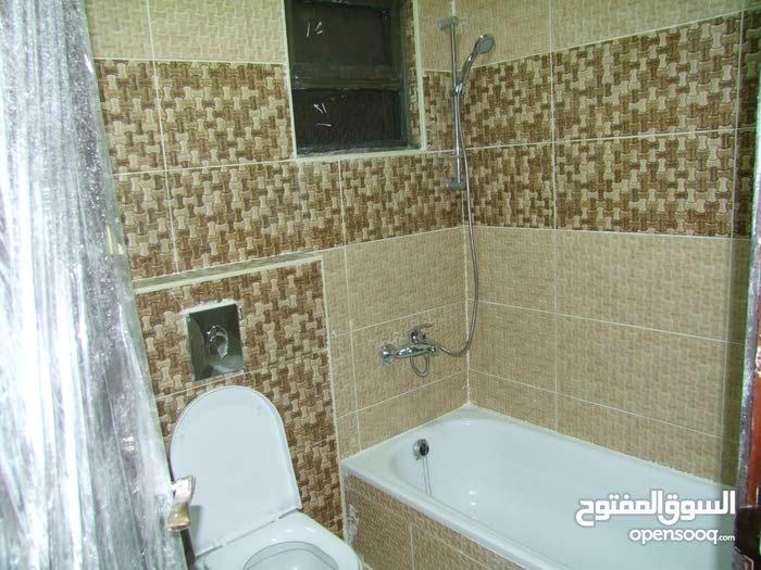 شقة في شارع الحرية جاهزة وقيد الانشاء  متوفر عده طوابق و ارضيات مع ترسات