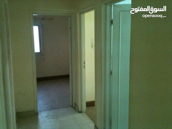 شقة امام جامعة النهضة بني سويف