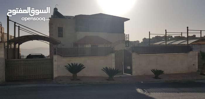 More rooms  Villa for sale in Amman city Marka