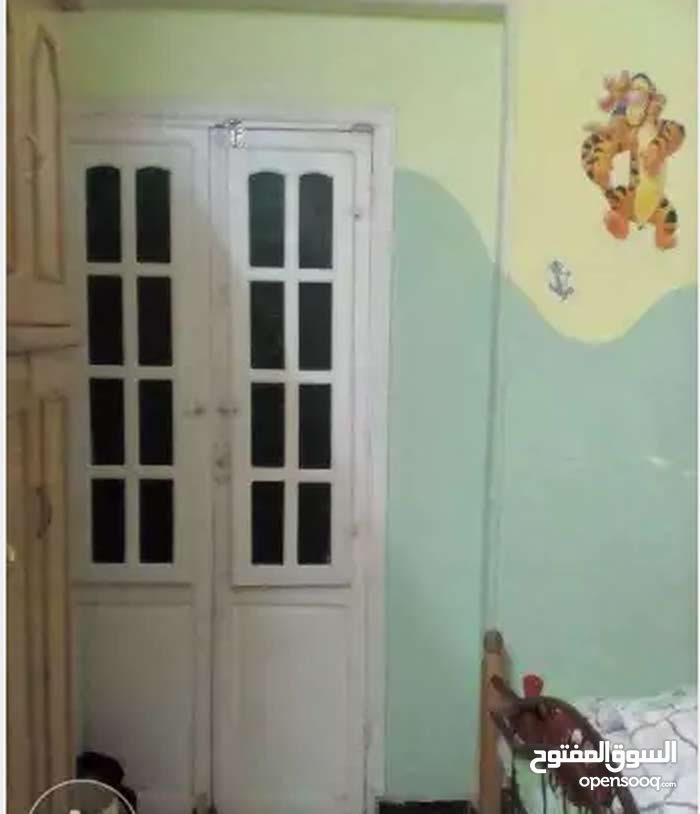 شقة ايجار قديم 100متر في العشرين فيصل