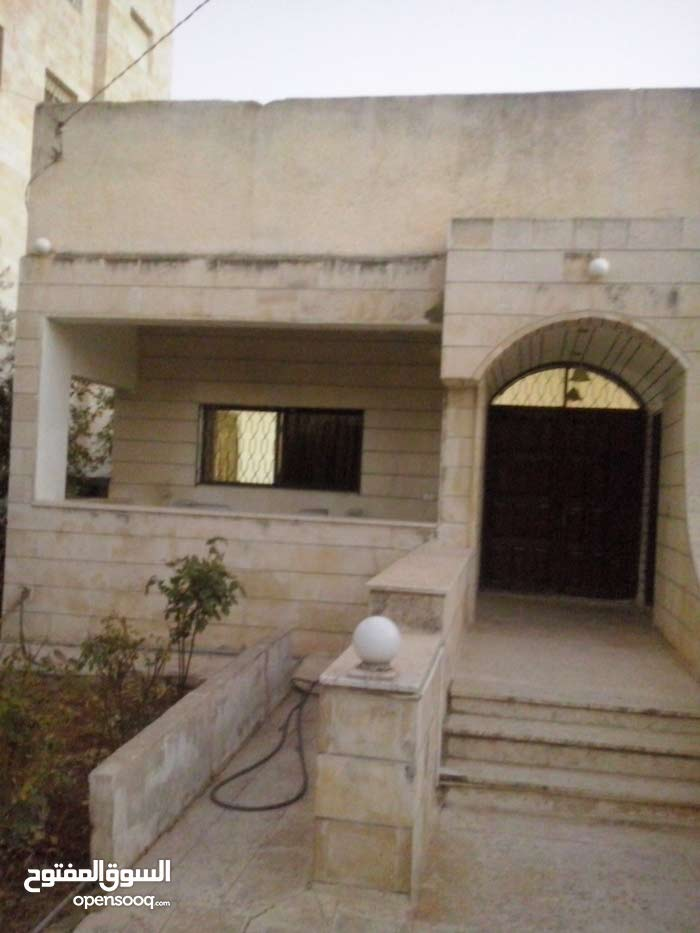 20+ years old Villa for sale in Irbid