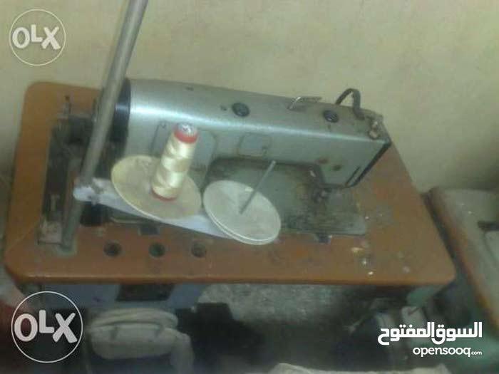 للبيع 11 ماكينة خياطة ماركة منرفا تشيكى