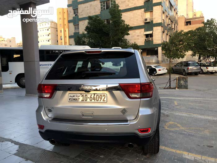 Jeep Grand Cherokee car is available for sale, the car is in Used condition