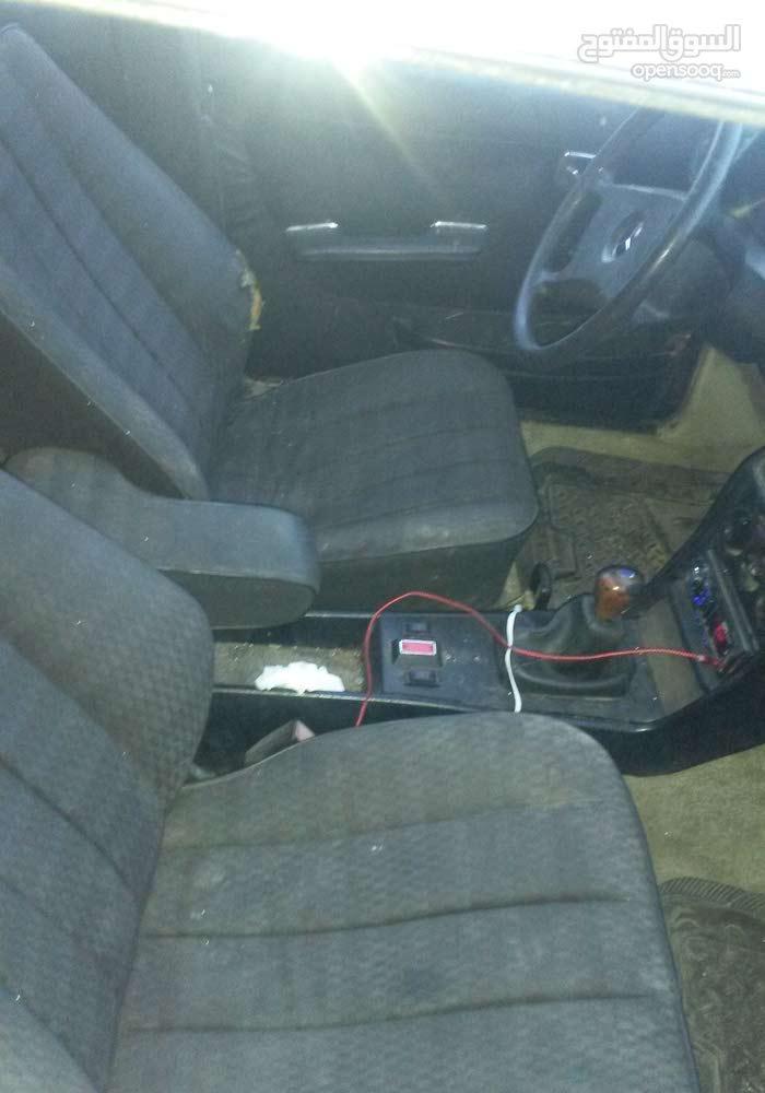 سيارة مرسيدس غرفة بطة 1979