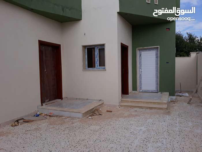 مجموعة منازل للبيع الاسعار تبدا من 160 فما فوق قابلة للنقاش ف حدود معقولة