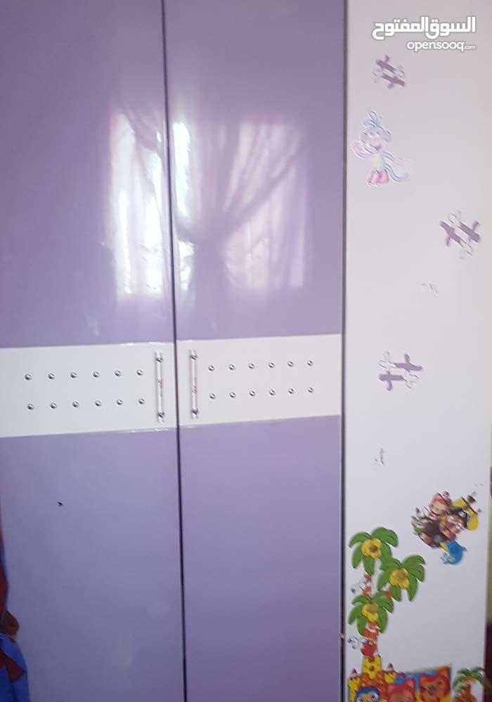 خزانة اطفال بحالة ممتازة