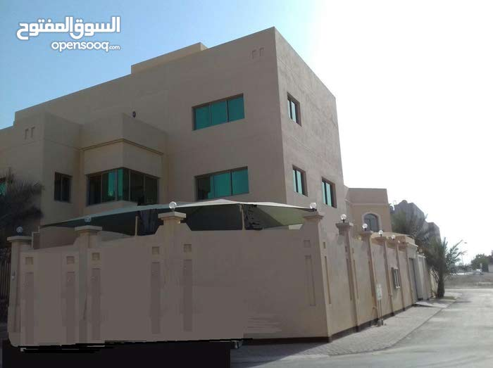 Villa for rent in A'ali near the walkway