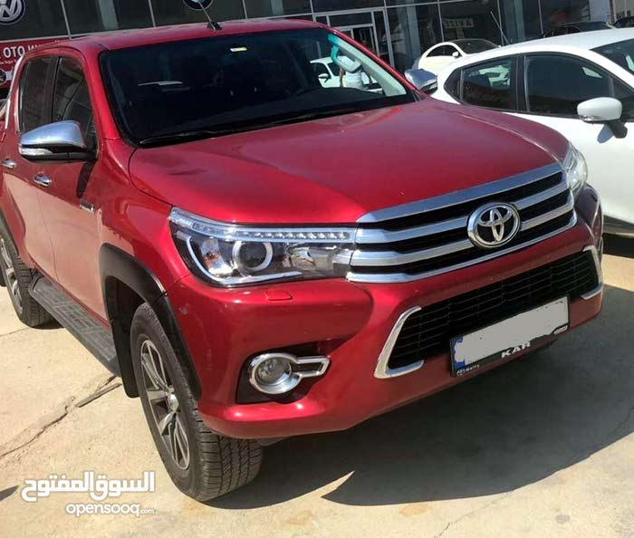 Toyota Hilux car for sale 2016 in Zarqa city